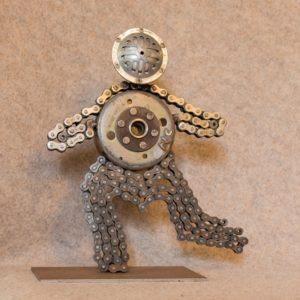 Décorez votre intérieur avec cette figurine en métal Monsieur K