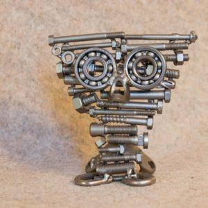Dans ma série de sculptures animalières, découvrez cette petite chouette en métal