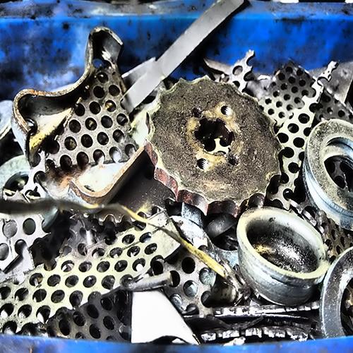 Des sculptures qui donnent une seconde vie aux objets métalliques